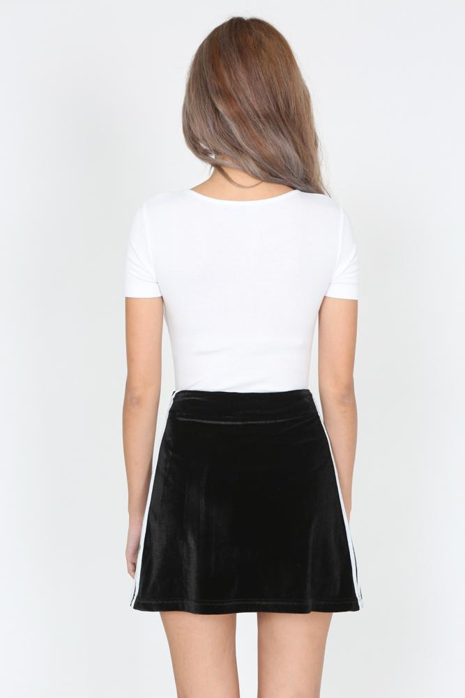 Contrast Trim Velvet Mini Skirt in Black