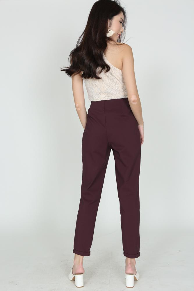 High-Waisted Tapered Trousers in Oxblood