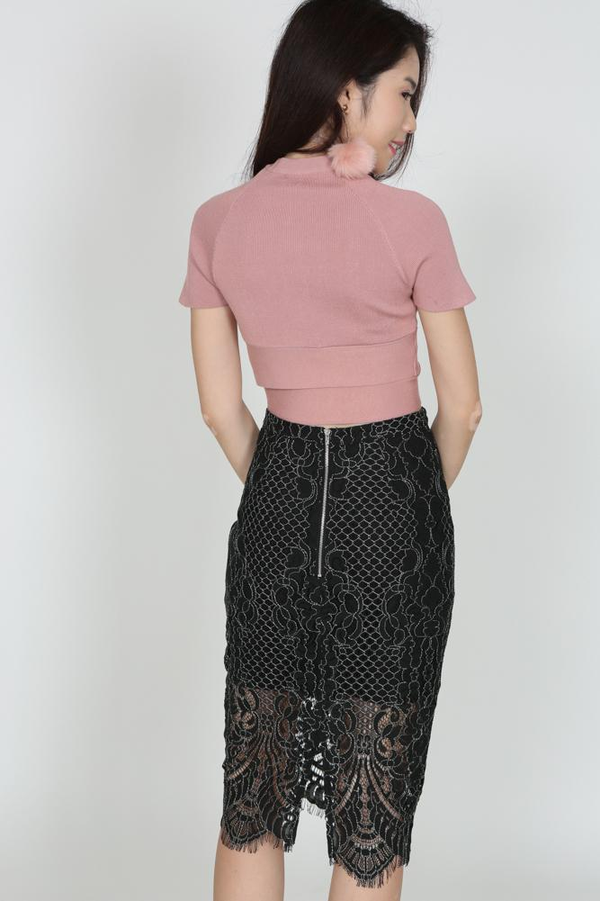 Lace Pencil Skirt in Black