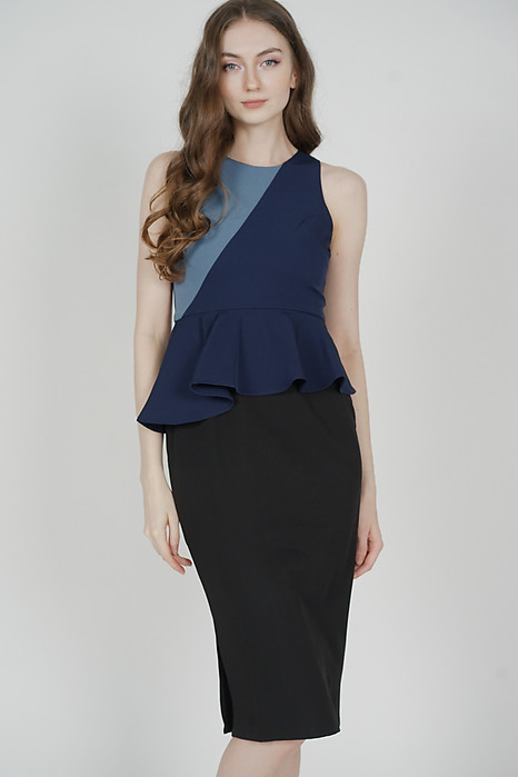 Glorin Contrast Dress in Navy