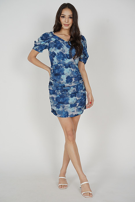 Yuka Ruched Dress in Blue Abstract