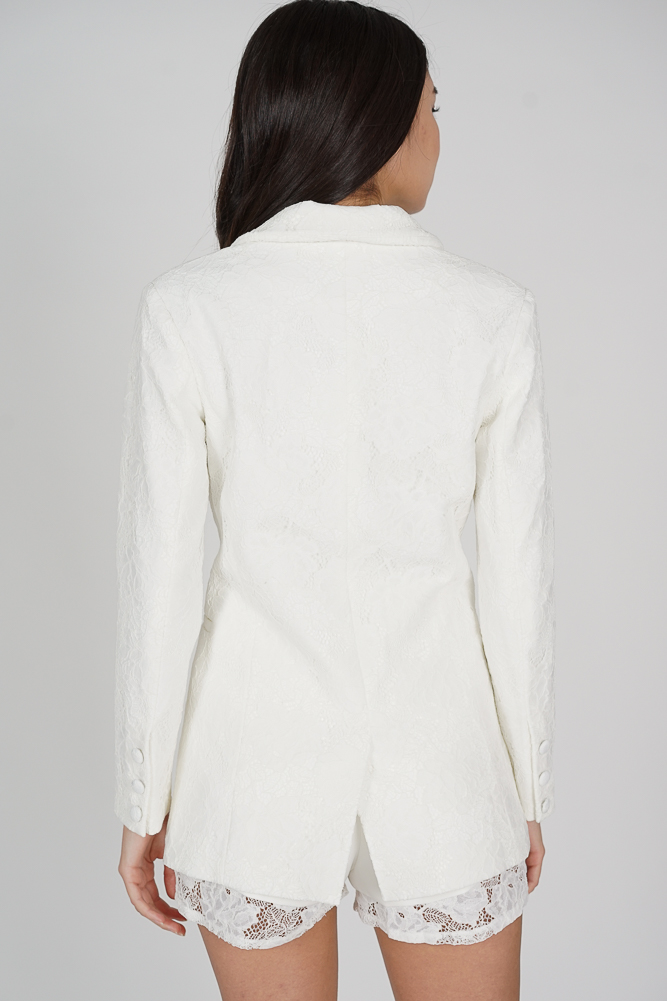 Ari Lace Blazer in White